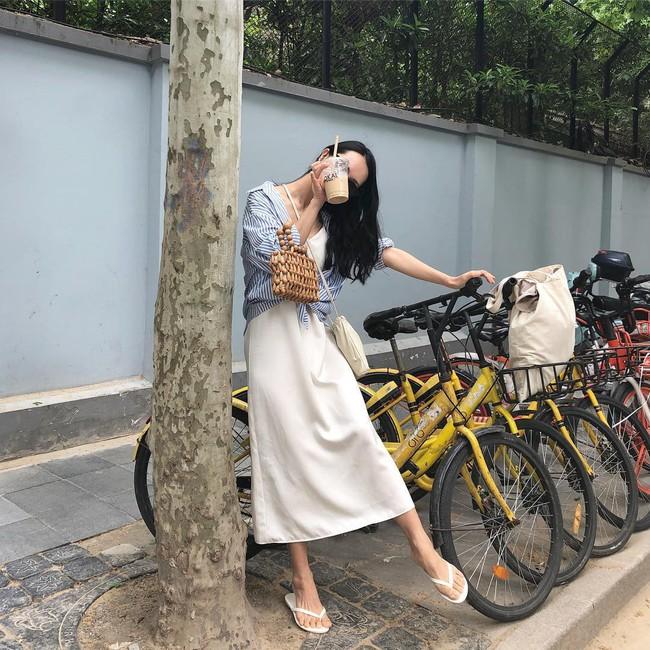 Khép lại đợt nghỉ lễ với 15 set đồ đến từ street style Châu Á, bạn sẽ học được cả tá cách mix cực hay cho hè này  - Ảnh 3.