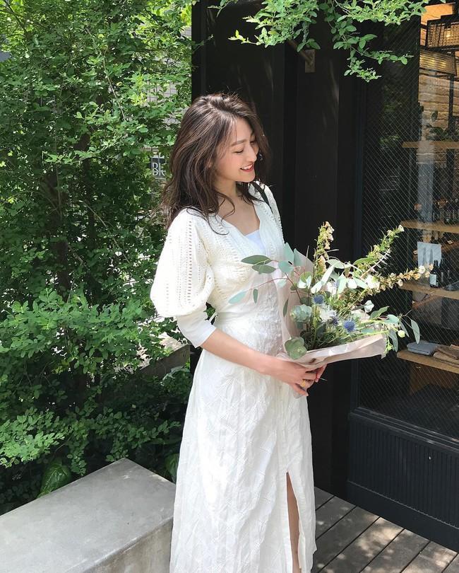Khép lại đợt nghỉ lễ với 15 set đồ đến từ street style Châu Á, bạn sẽ học được cả tá cách mix cực hay cho hè này  - Ảnh 7.