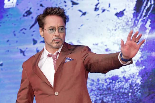 Gục ngã trước loạt ảnh thời trẻ đẹp trai hút hồn của Iron Man Robert Downey Jr. - Ảnh 1.