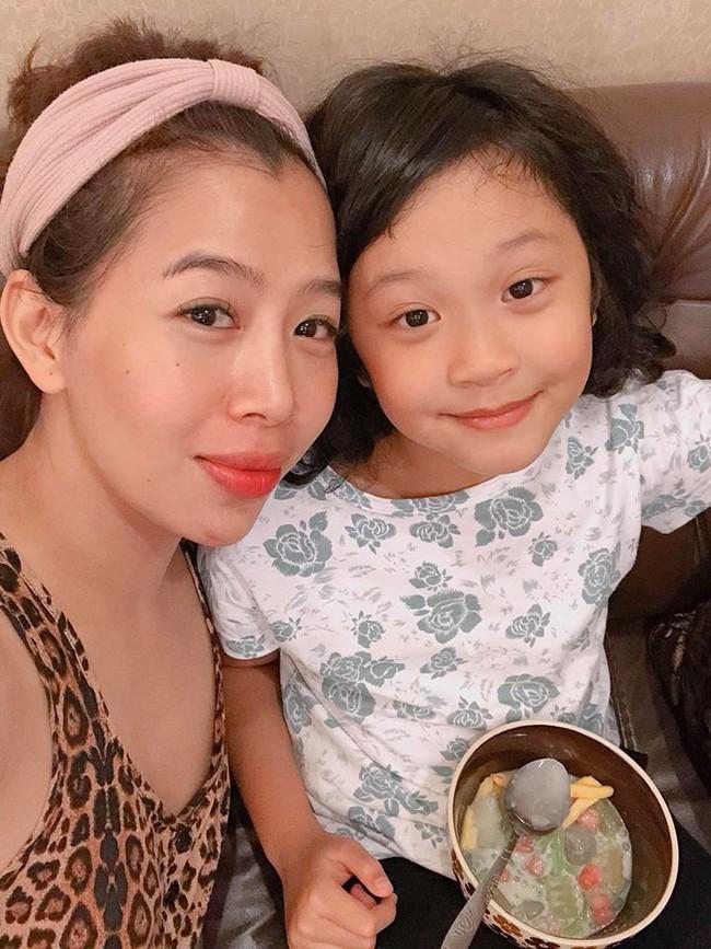 MC Diệp Chi trổ tài làm đồ ăn Nhật tại gia cho con gái Sumo, hội chị em trầm trồ vì hấp dẫn như nhà hàng - Ảnh 2.