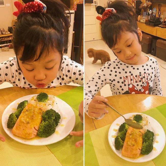 MC Diệp Chi trổ tài làm đồ ăn Nhật tại gia cho con gái Sumo, hội chị em trầm trồ vì hấp dẫn như nhà hàng - Ảnh 4.