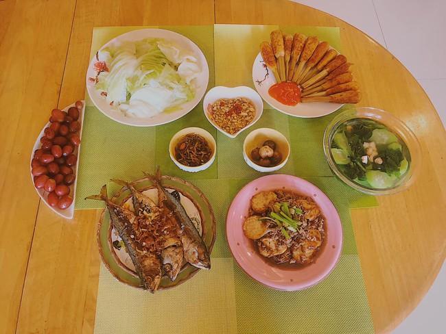 MC Diệp Chi trổ tài làm đồ ăn Nhật tại gia cho con gái Sumo, hội chị em trầm trồ vì hấp dẫn như nhà hàng - Ảnh 7.