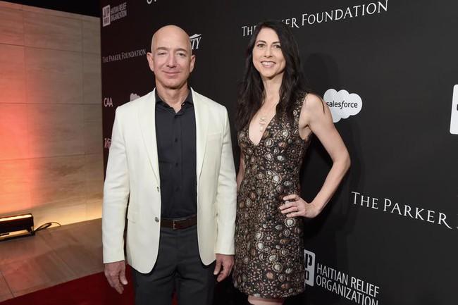 Sau 2 vụ ly hôn của 2 tỷ phú Trung Nguyên và Amazon: Không có cuộc chia tay quá đớn đau nếu chút tử tế cho nhau vẫn còn! - Ảnh 1.