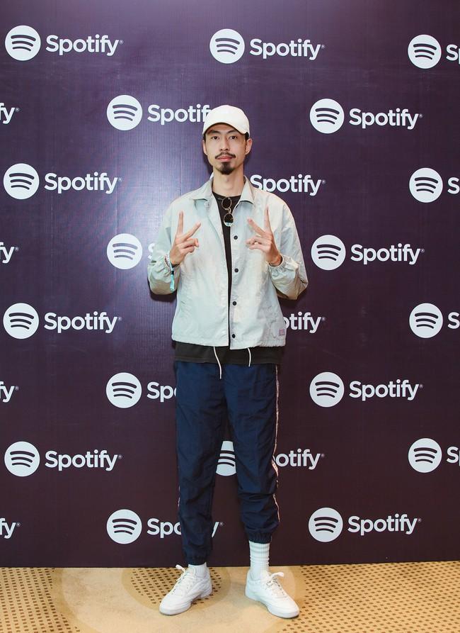 Vừa đạt nút vàng Youtube, Đen Vâu tiếp tục sánh vai Vũ Cát Tường, Alan Walker thống lĩnh Spotify - Ảnh 1.