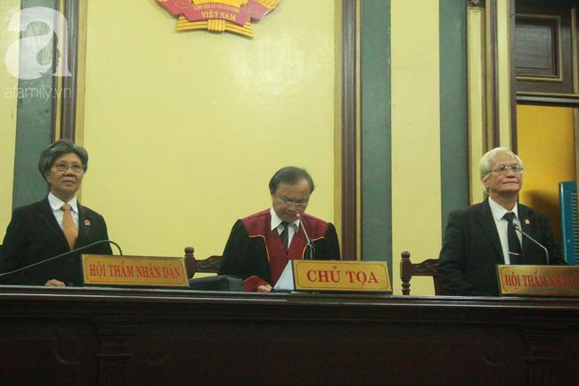 TAND thông báo đính chính vụ đọc nhầm án phí từ 8 tỷ lên 80 tỷ trong phiên tòa ly hôn nghìn tỷ Trung Nguyên - Ảnh 2.