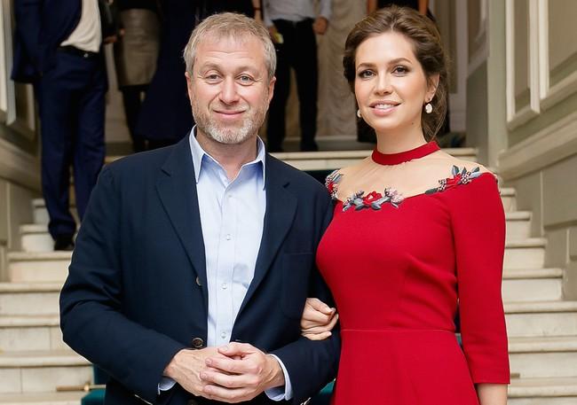Vợ chồng tỷ phú người Nga hậu ly hôn: sau màn phân chia tài sản tỷ đô không những làm bạn mà còn thiết lập 1 mối quan hệ không tưởng - Ảnh 1.