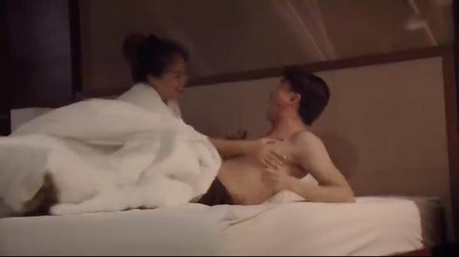 Về nhà đi con: Phim chưa lên sóng đã lộ cảnh người yêu Hân Hoa hậu Gạo nếp gạo tẻ bị gái già... cưỡng hiếp - Ảnh 6.
