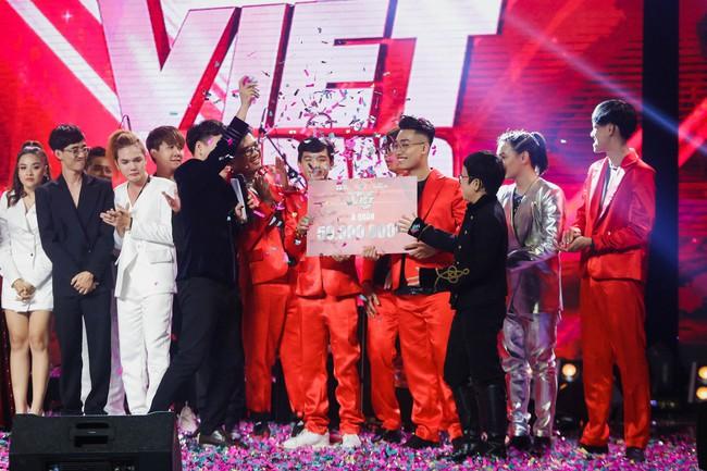 Học trò Nguyễn Hải Phong bị chê có HLV cố đấm ăn xôi vẫn nghiễm nhiên trở thành Quán quân Ban nhạc Việt - Ảnh 1.