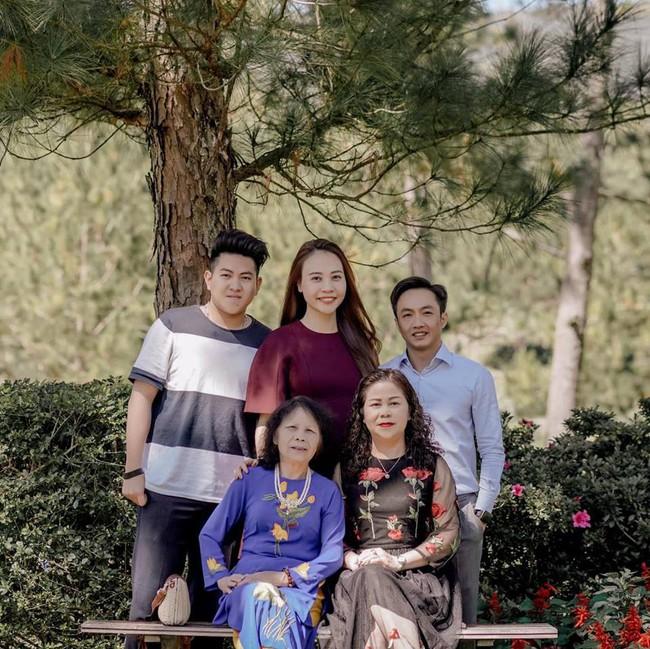 Vừa tung ảnh cưới ngọt ngào, Cường Đô La đã ấm ức mách mẹ vợ bị Đàm Thu Trang bắt nạt - Ảnh 3.