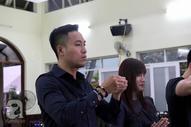 Nhìn nghệ sĩ Lê Bình vẫn đội chiếc mũ quen thuộc lúc nhập quan, nhiều người xúc động rơi nước mắt - Ảnh 18.