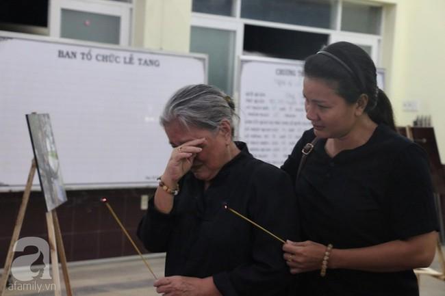 Nhìn nghệ sĩ Lê Bình vẫn đội chiếc mũ quen thuộc lúc nhập quan, nhiều người xúc động rơi nước mắt - Ảnh 26.