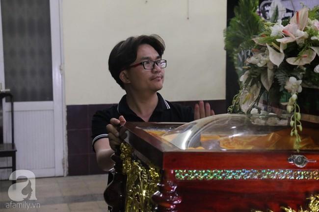 Nhìn nghệ sĩ Lê Bình vẫn đội chiếc mũ quen thuộc lúc nhập quan, nhiều người xúc động rơi nước mắt - Ảnh 29.