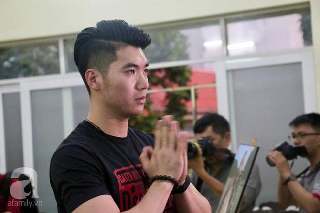 Nhìn nghệ sĩ Lê Bình vẫn đội chiếc mũ quen thuộc lúc nhập quan, nhiều người xúc động rơi nước mắt - Ảnh 20.