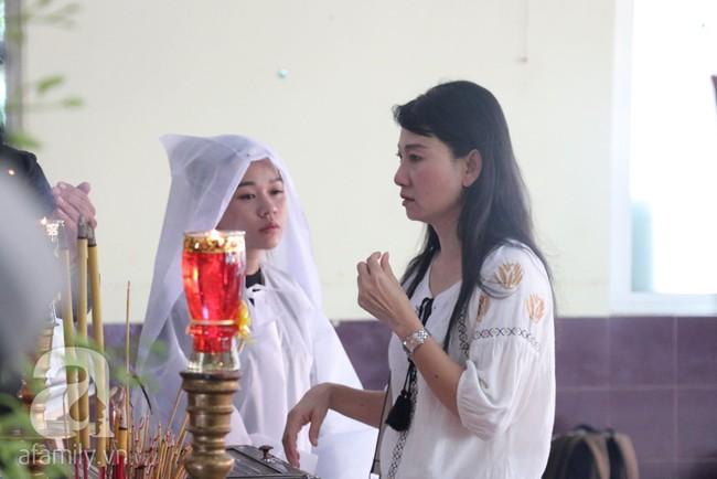 Nhìn nghệ sĩ Lê Bình vẫn đội chiếc mũ quen thuộc lúc nhập quan, nhiều người xúc động rơi nước mắt - Ảnh 4.