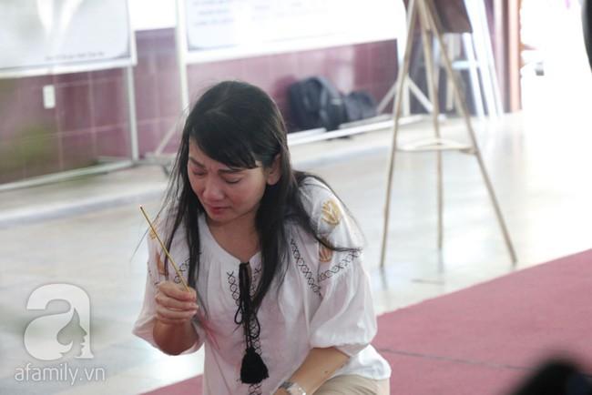 Nhìn nghệ sĩ Lê Bình vẫn đội chiếc mũ quen thuộc lúc nhập quan, nhiều người xúc động rơi nước mắt - Ảnh 5.