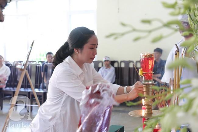 Nhìn nghệ sĩ Lê Bình vẫn đội chiếc mũ quen thuộc lúc nhập quan, nhiều người xúc động rơi nước mắt - Ảnh 13.