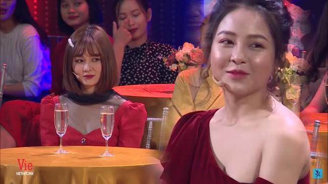 Vừa xuất hiện trở lại, hot girl Trâm Anh bị cắt hoàn toàn hình ảnh ở VTV3 - Ảnh 1.