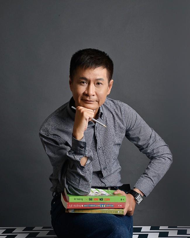 Đạo diễn Lê Hoàng khiến MXH xôn xao khi nói: Sự nghiệp giải phóng phụ nữ bắt nguồn từ chính họ và nâng ngực là quyền chính đáng! - Ảnh 1.
