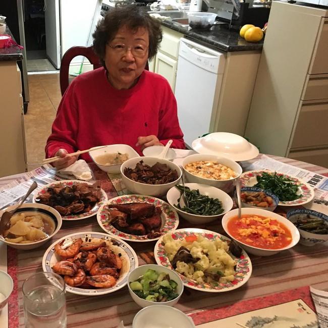 Từ những món ăn dân dã của bà già triệu views, nhớ về ăn bữa cơm quê đạm bạc thơm thảo của mẹ - Ảnh 6.