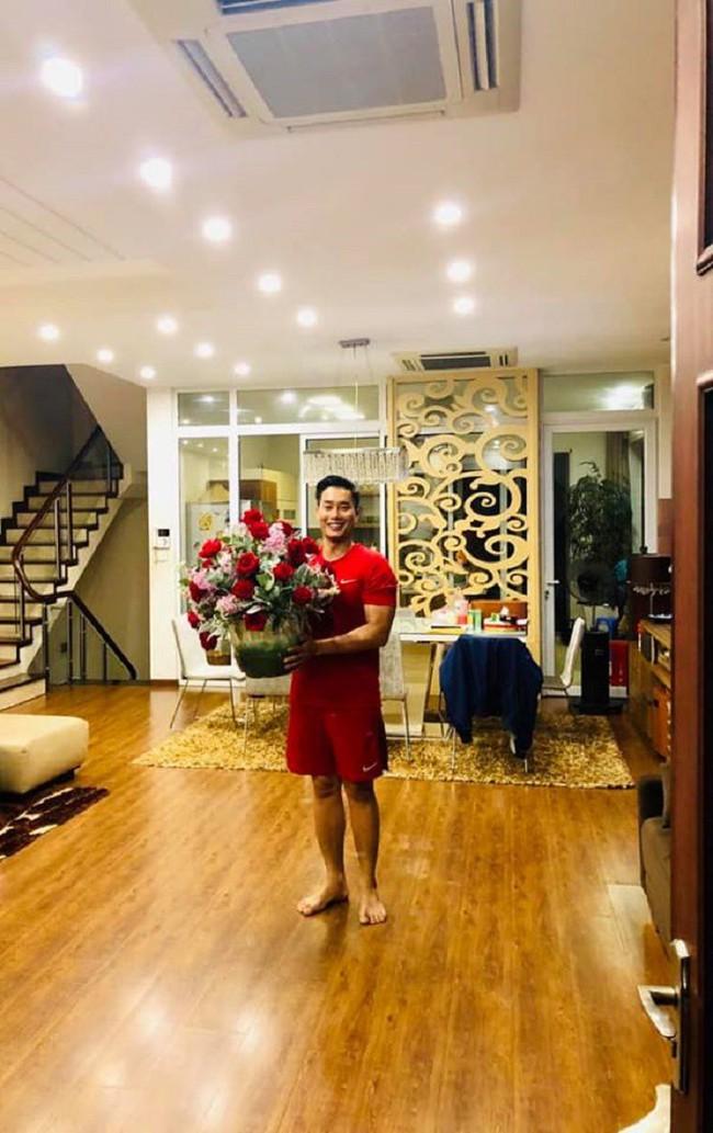 Bất ngờ với nhà của các MC nổi tiếng VTV Long Vũ, Hoa Thanh Tùng, Nguyễn Hoàng Linh - Ảnh 6.