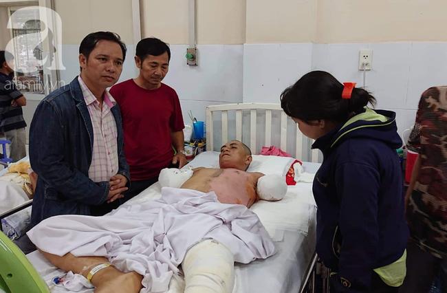 Đi làm nuôi mẹ già bị tai biến, chồng bị điện giật phải cắt 2 tay, vợ và 4 con đau đớn gom góp tiền cứu bố - Ảnh 5.