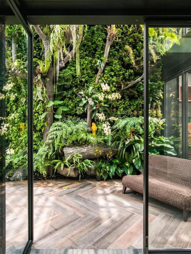 Cặp vợ chồng về hưu chọn cách dưỡng già bằng việc cải tạo không gian 300m² thành khu vườn ngập tràn thiên nhiên - Ảnh 4.