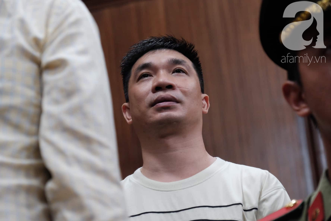 Ảnh: Hot girl Ngọc Miu và Văn Kính Dương cười tươi khi tòa trả hồ sơ, người nhà bật khóc cố níu xe chở phạm nhân - Ảnh 13.