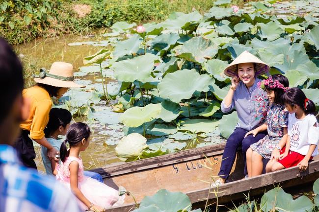 Á hậu Hoàng Oanh bất ngờ tiết lộ có 10 người con nuôi  - Ảnh 10.