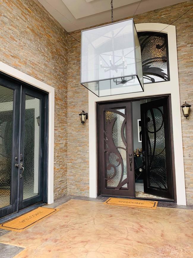 Lệ Quyên hé lộ bên trong căn biệt thự triệu đô sang trọng, tiện nghi tại Mỹ - Ảnh 2.
