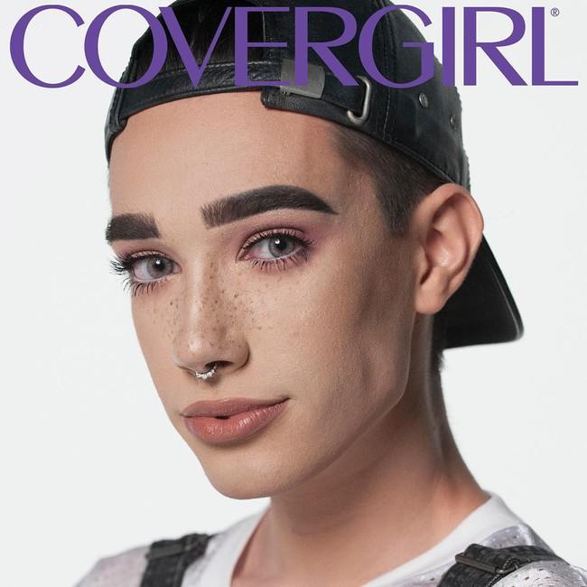 Từng làm đại diện cho hãng Covergirl, anh chàng beauty blogger bị hàng triệu người quay lưng sau khi đàn chị tố gạ tình và ăn cháo đá bát - Ảnh 2.