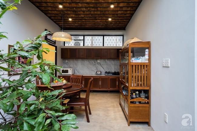 Ngôi nhà có tuổi lột xác thành nhà vườn xanh mát của cặp vợ chồng về hưu ở Vĩnh Long - Ảnh 9.