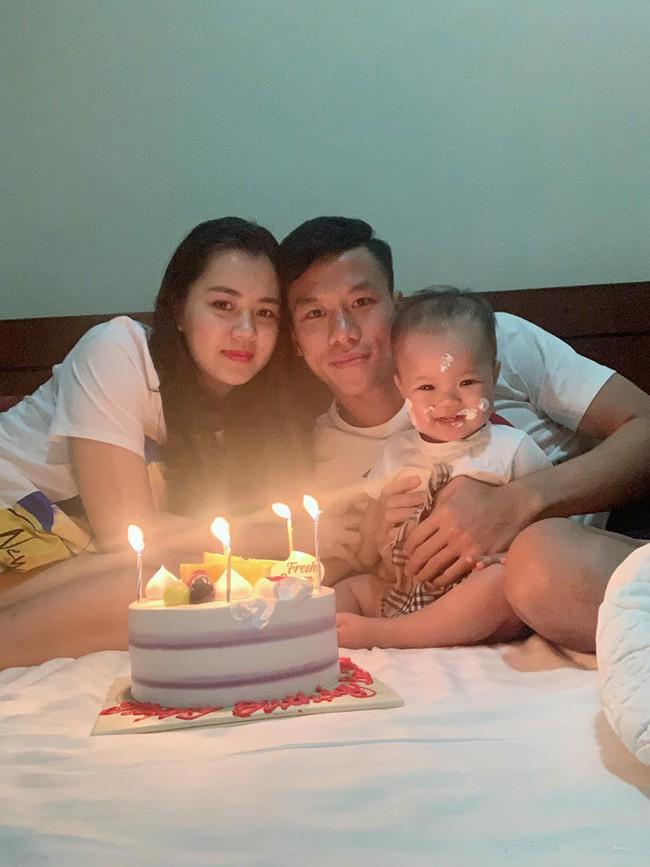 Tuyển Việt Nam nhao nhao chúc mừng sinh nhật Quế Ngọc Hải, dân mạng bỗng thấy có gì đó không đúng khi đọc bình luận - Ảnh 5.