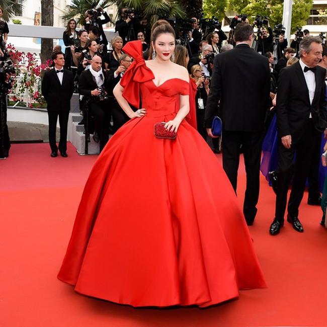 Những bộ đầm đỏ đẹp nhất qua các mùa Cannes: Phạm Băng Băng với xưng danh nữ hoàng thảm đỏ nhưng vẫn thua hẳn Lý Nhã Kỳ - Ảnh 12.
