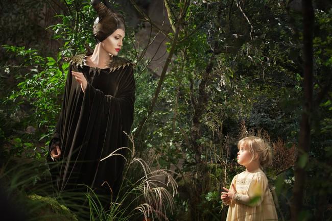 Angelina Jolie xinh đẹp và đáng sợ gấp bội trong trailer mới của Tiên Hắc Ám 2 - Ảnh 3.