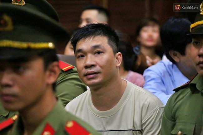 Bố Văn Kính Dương chia sẻ sau 5 ngày xét xử: Tôi từng khuyên con trai nhưng nó bảo nhiều việc nên chưa ra đầu thú - Ảnh 1.