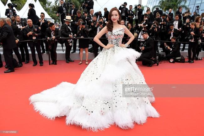 Muốn lịm đi với màn tập hợp váy công chúa ngày khai mạc Cannes 2019, bộ nào cũng bồng bềnh thần tiên quá đỗi - Ảnh 5.