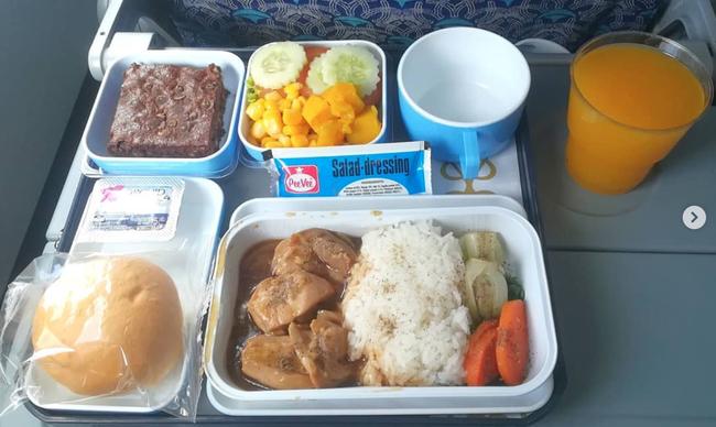 Dạo một vòng xem món ăn trên máy bay của các nước, Việt Nam phục vụ mì Ý trong khi Mỹ, Pháp phục vụ cơm - Ảnh 6.