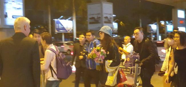 Diệt Tuyệt sư thái - Châu Hải My xuất hiện giản dị và chớp nhoáng tại sân bay Tân Sơn Nhất - Ảnh 5.