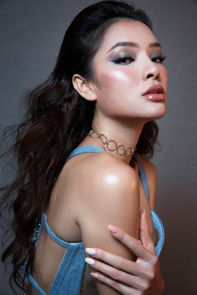 Hờ hững thả rông ngực trần, Phương Trinh Jolie thách thức mọi giới hạn sexy - Ảnh 6.
