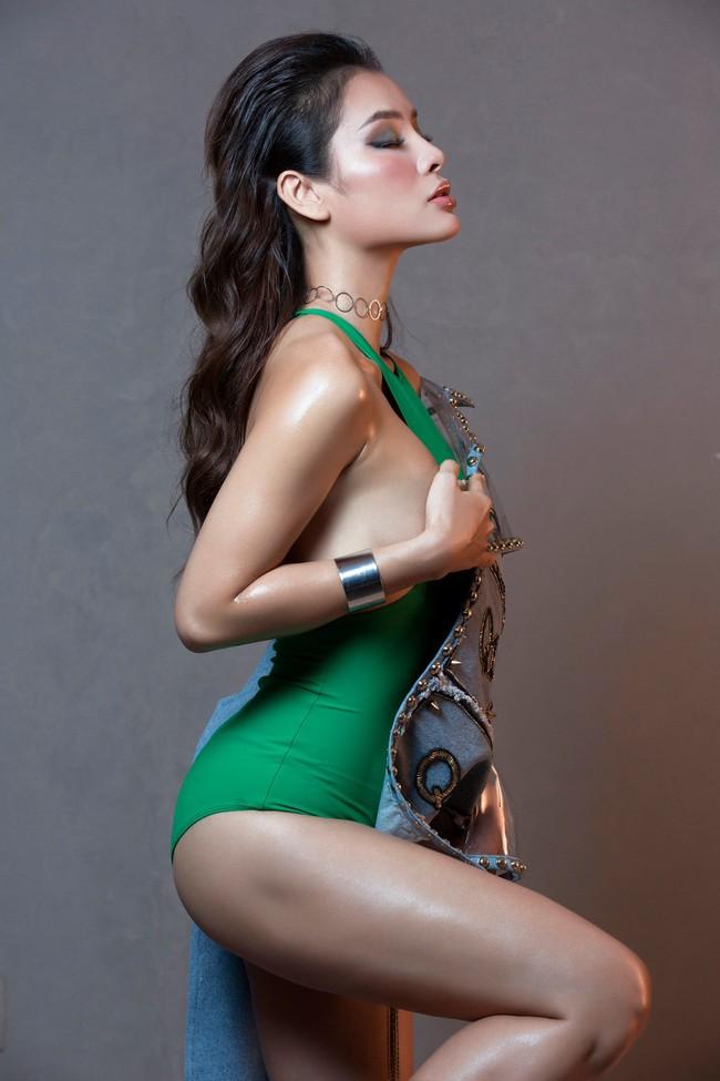 Hờ hững thả rông ngực trần, Phương Trinh Jolie thách thức mọi giới hạn sexy - Ảnh 10.