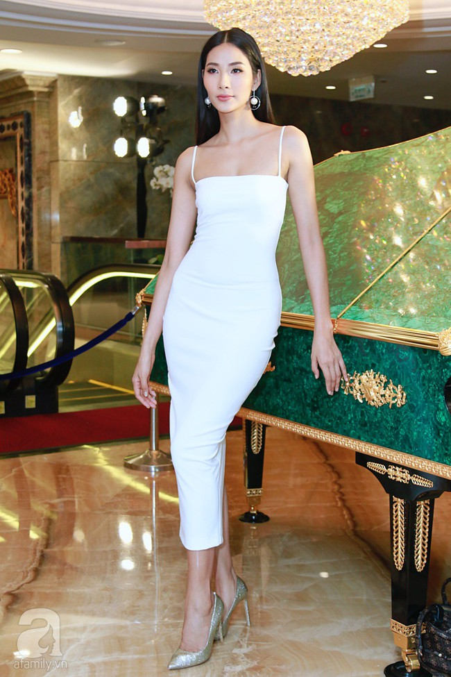Hoa hậu Hương Giang xinh đẹp tỏa sáng khi đứng cạnh minh tinh Châu Hải My - Ảnh 10.