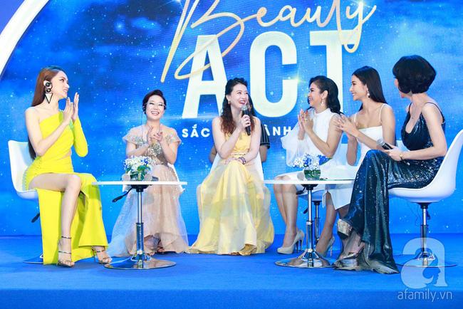 Hoa hậu Hương Giang xinh đẹp tỏa sáng khi đứng cạnh minh tinh Châu Hải My - Ảnh 14.