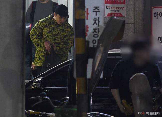 Nóng: Seungri vui vẻ đi tập gym sau khi tòa án hủy lệnh bắt, công chúng Hàn và quốc tế phẫn nộ, fan Việt vẫn bênh - Ảnh 5.