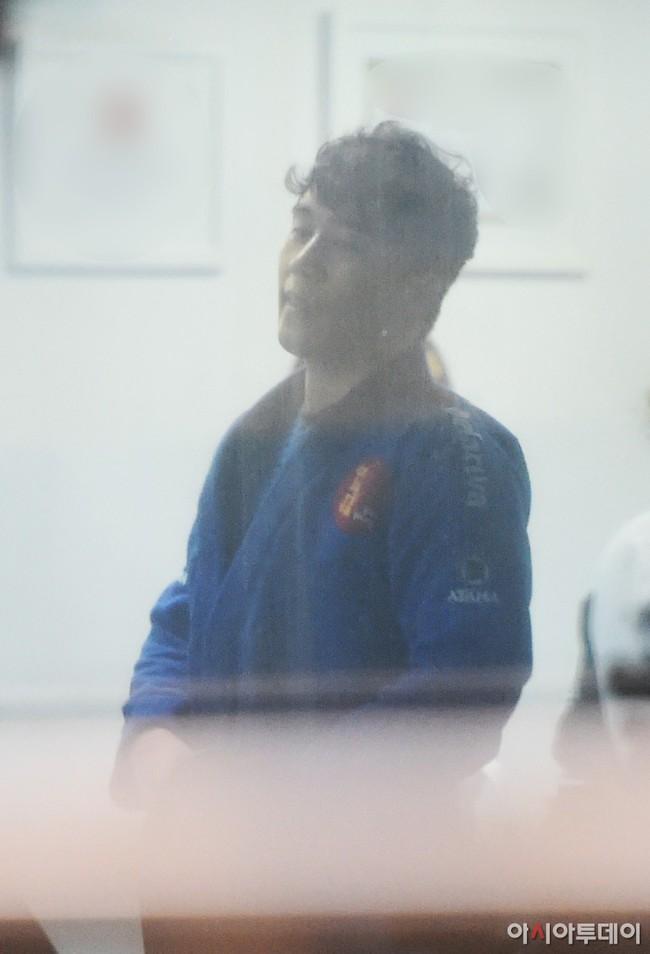 Nóng: Seungri vui vẻ đi tập gym sau khi tòa án hủy lệnh bắt, công chúng Hàn và quốc tế phẫn nộ, fan Việt vẫn bênh - Ảnh 6.