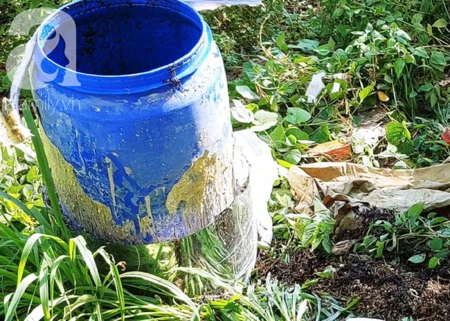 Chiếc thùng phuy chứa xác thứ hai được ướp trà.