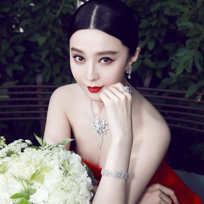 Ít ai biết: Lee Young Ae, Ha Ji Won, Phạm Băng Băng... đều sở hữu thương hiệu mỹ phẩm riêng khá ăn nên làm ra - Ảnh 1.