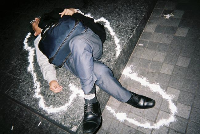 Làm việc đến chết - nỗi ám ảnh khôn nguôi và mảng màu u tối đến đáng sợ trong xã hội đầy tính kỷ luật ở Nhật Bản - Ảnh 3.