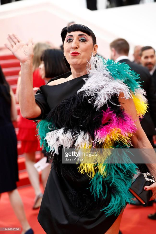 Ngộp thở với các  màn khoe ngực táo bạo tại Cannes ngày 4: Mỹ nhân Như Ý Truyện khoe sắc với váy xẻ cũng vẫn chào thua siêu mẫu thả rông vòng 1  - Ảnh 12.