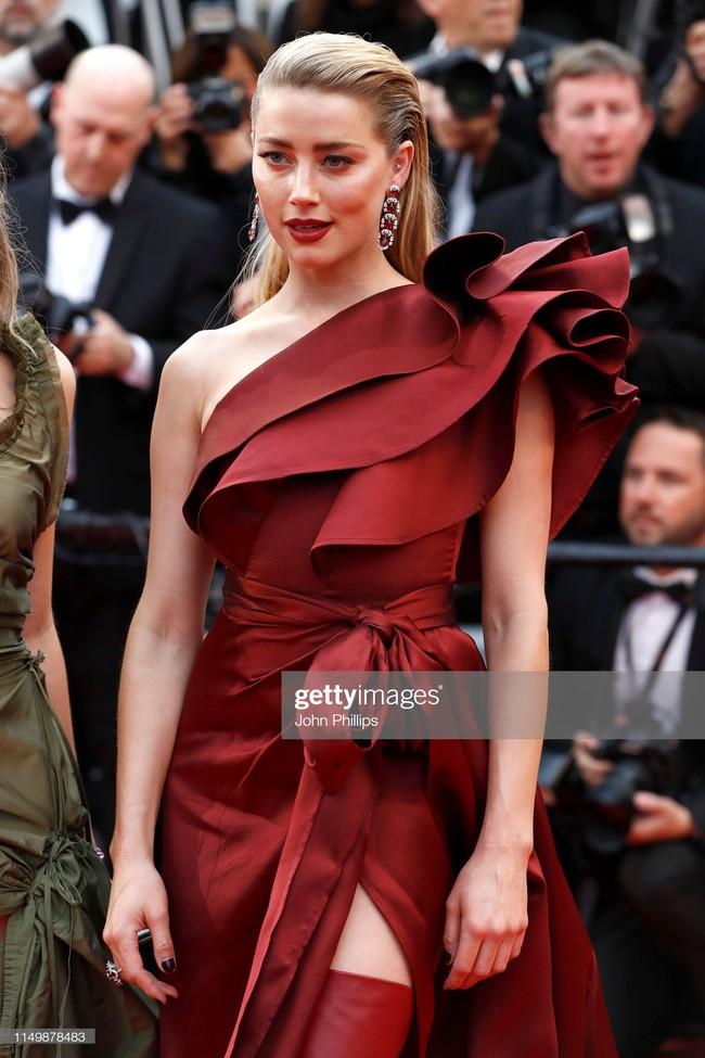 Ngộp thở với các  màn khoe ngực táo bạo tại Cannes ngày 4: Mỹ nhân Như Ý Truyện khoe sắc với váy xẻ cũng vẫn chào thua siêu mẫu thả rông vòng 1  - Ảnh 10.