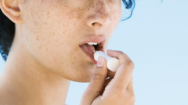Cục quản lý thực phẩm và dược phẩm Mỹ ban hành hướng dẫn sử dụng kem chống nắng để tránh ung thư da - Ảnh 4.